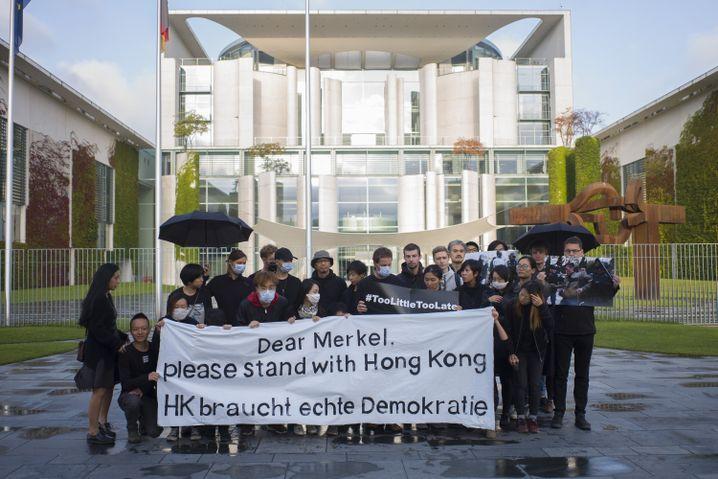 Mahnwache vor dem Berliner Kanzleramt: Die Werte der Hongkonger teilen