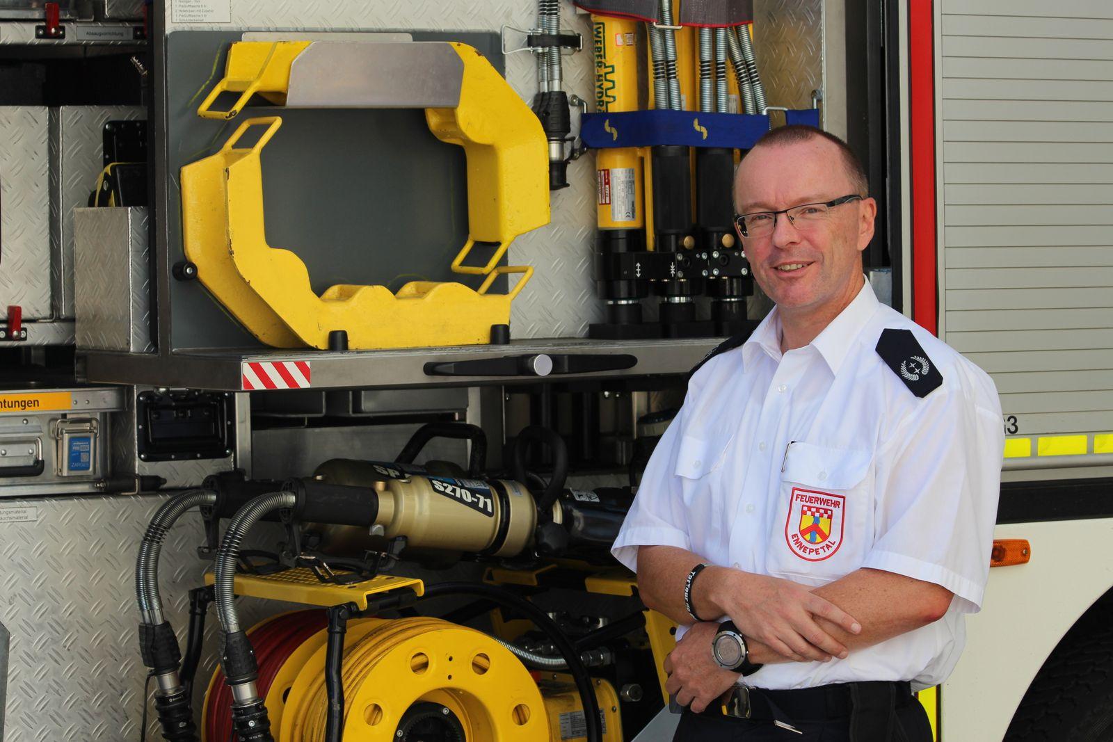 EINMALIGE VERWENDUNG Frank Schacht / Feuerwehr