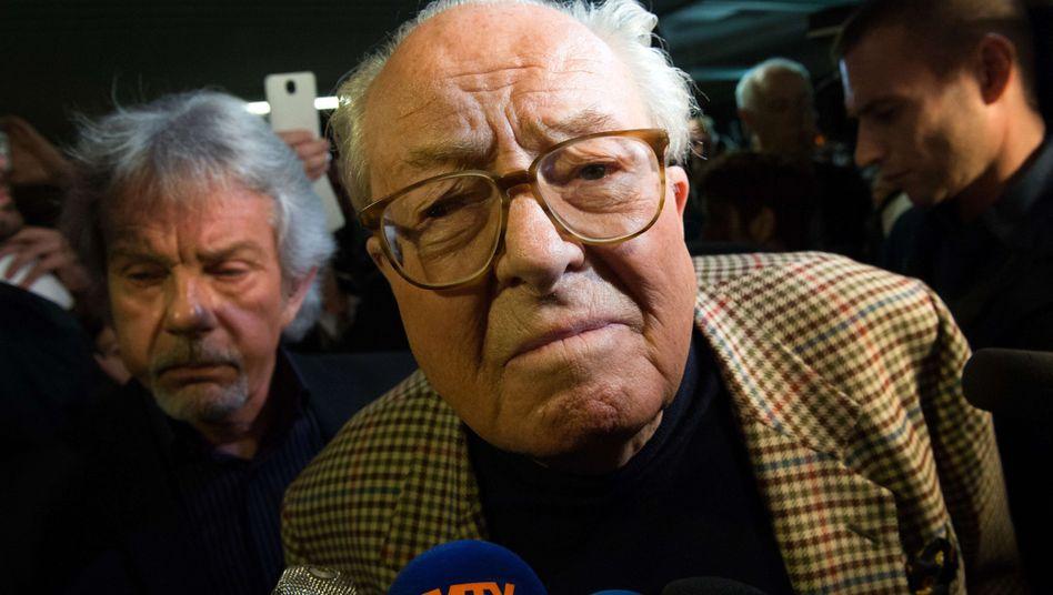 "FN-Gründer Jean-Marie Le Pen: ""Völlig verrückte"" Idee"