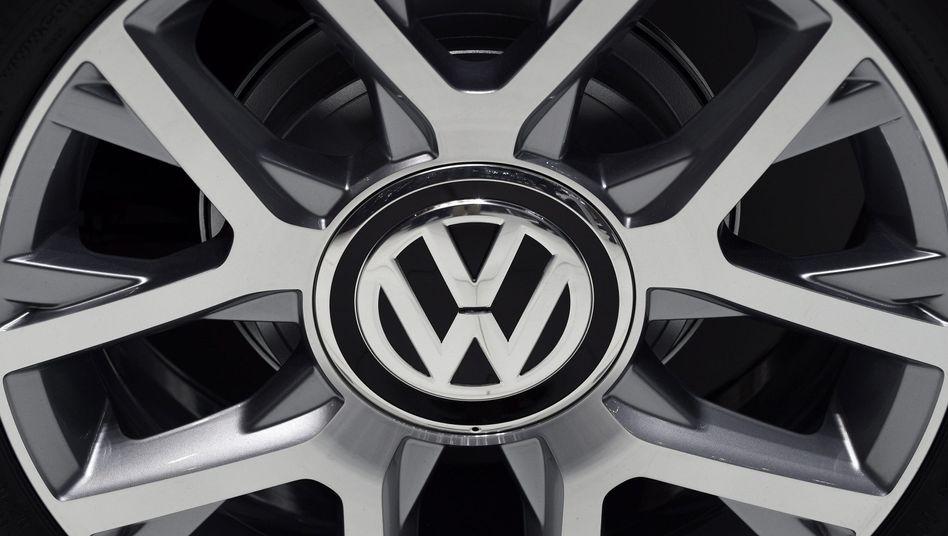 Volkswagen-Reifen (Archivbild): Autos ohne Zertifikate verkauft