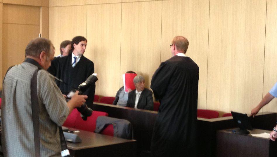 Angeklagter Eduard Z. vor Gericht: Schweigen aus Angst