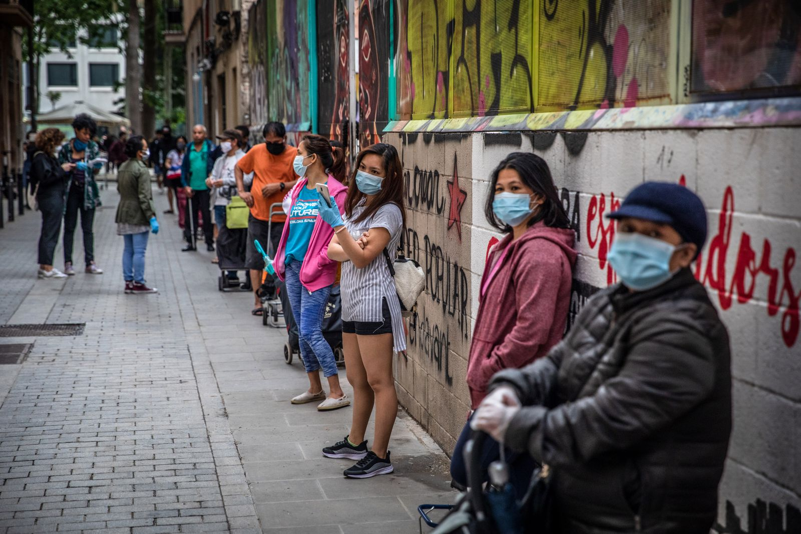 Spain Sees Food Bank Queues in Virus Hit Economy