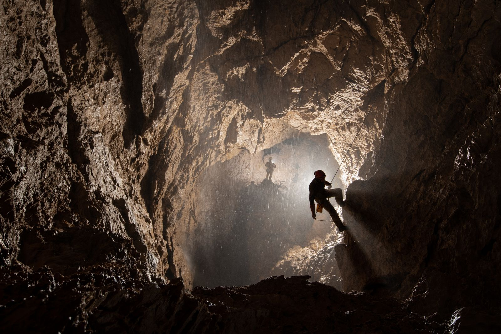 Adventure exploration expedition to document the team of Russian pioneers who are exploring Veryovkina - the deepest cave in the world in the Caucasus mountains, Abkhazia. Led by Russian explorer Pavel Demidov, this set follows a three week trip with a two week (continuous) expedition inside the cave following the team down to the bottom at -2212m below ground.
