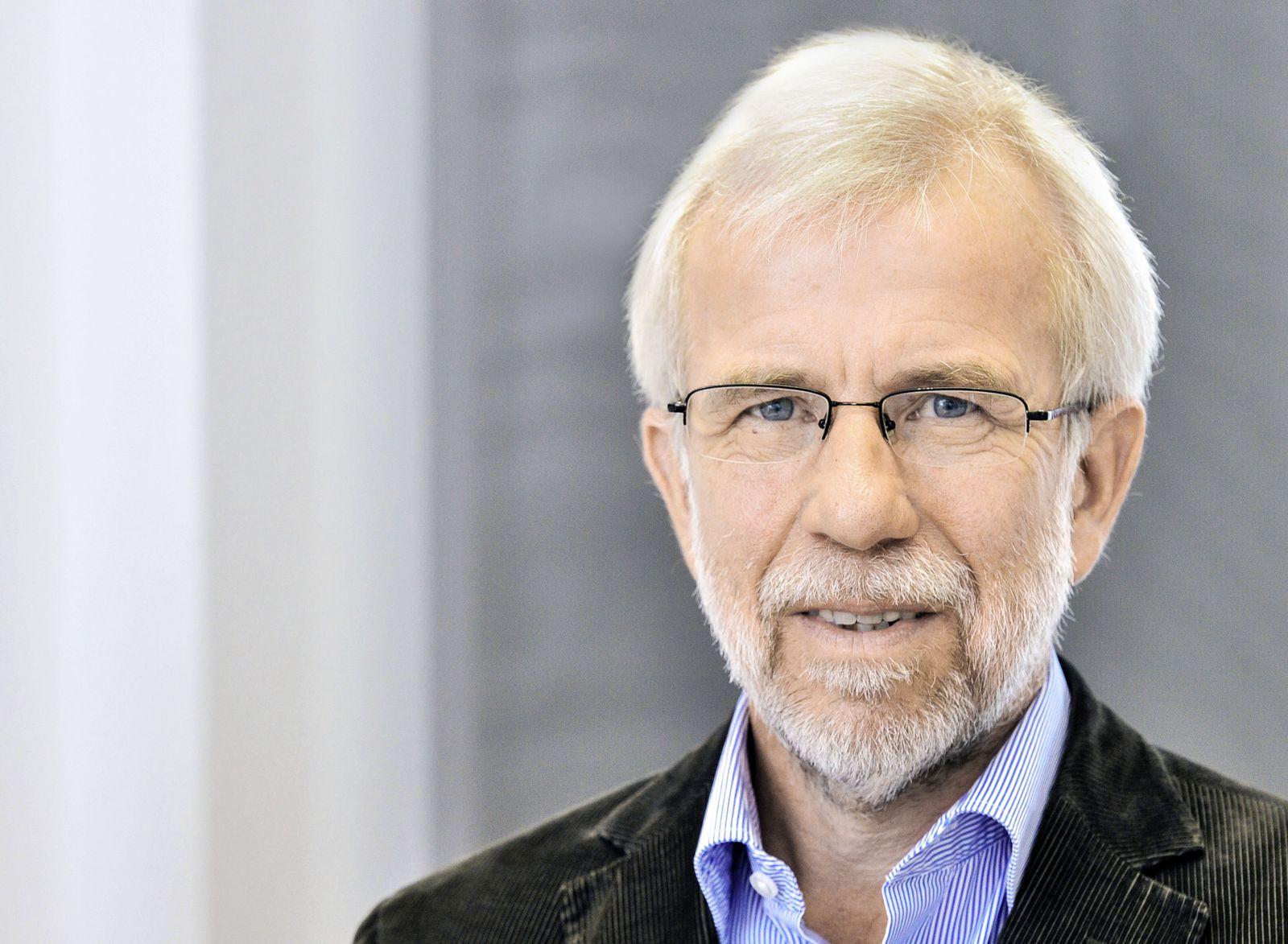 Wolf Dieter Ludwig / Vorsitzender der AkdÃ