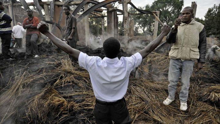 Uganda: Unruhen an brennenden Königsgräbern