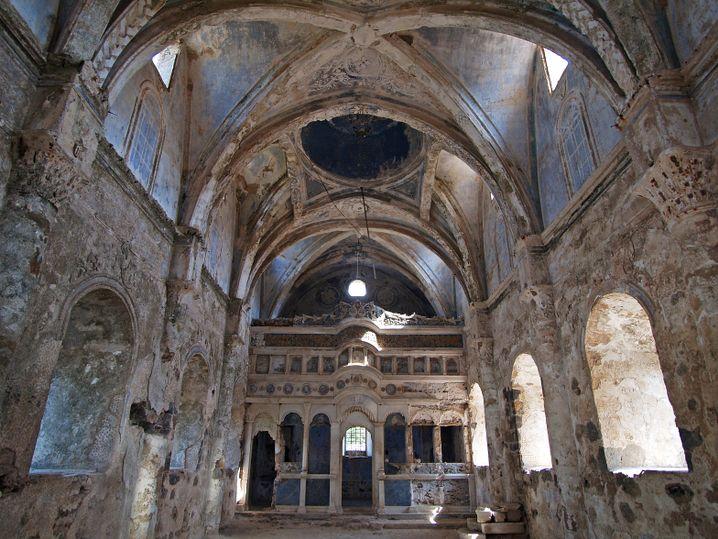 Ruinen einer ehemaligen Gewölbekirche in Kayaköy.