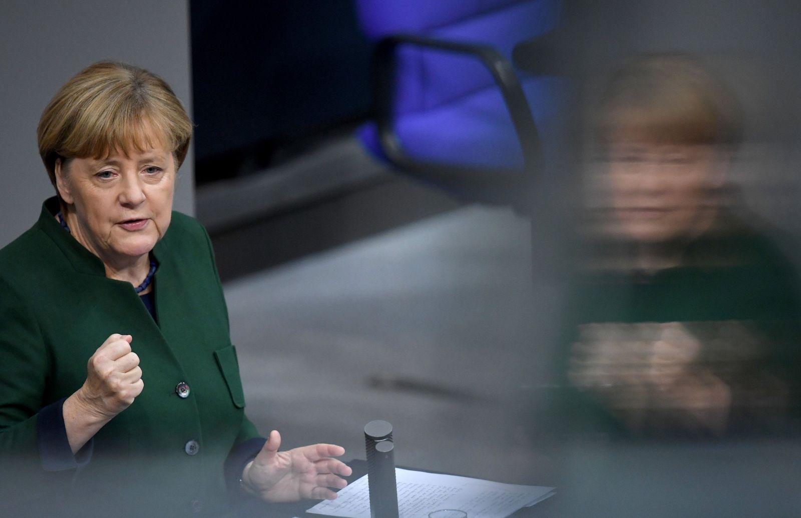 Angela Merkel im Bundestag zum Haushalts-Etat 2017