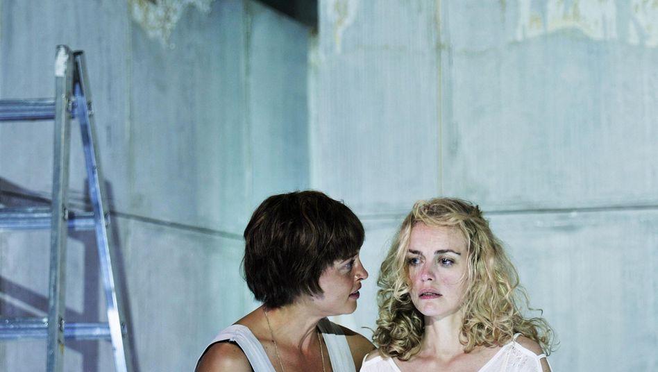 """""""Öl""""-Darsteller Susanne Wolff, Nina Hoss: Innerlichkeitskitschgefahr durch Sachlichkeit gebannt"""