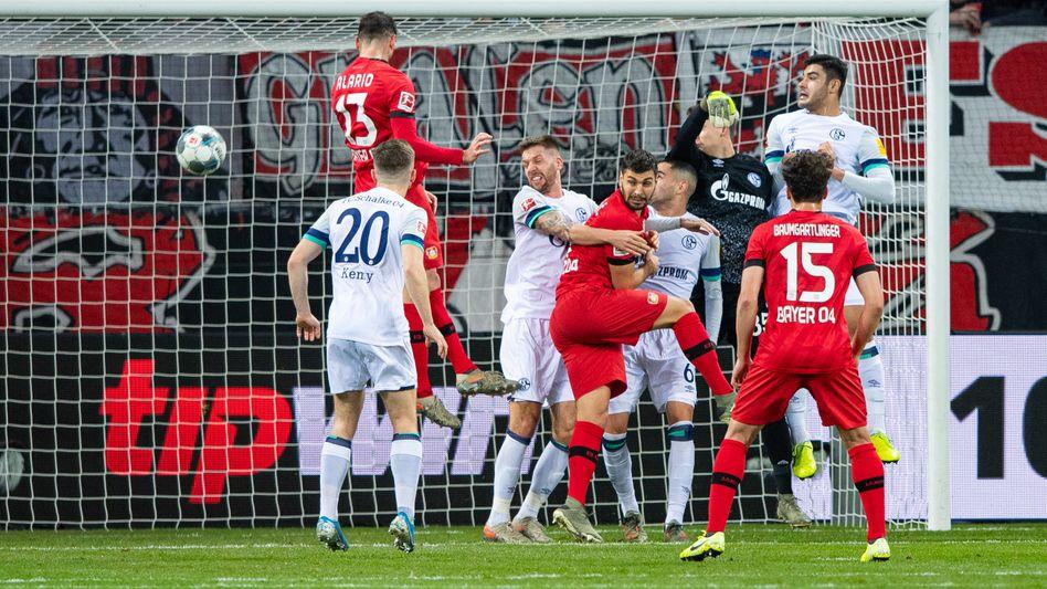 Lucas Alario traf nach einer Ecke zur Leverkusener Führung