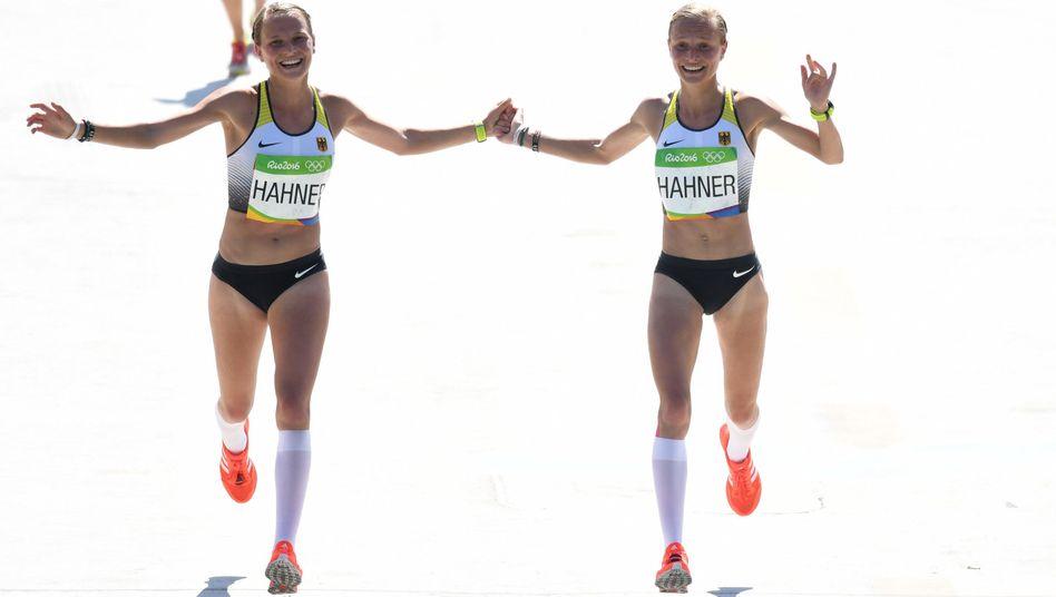 Lisa (l.) und Anna Hahner