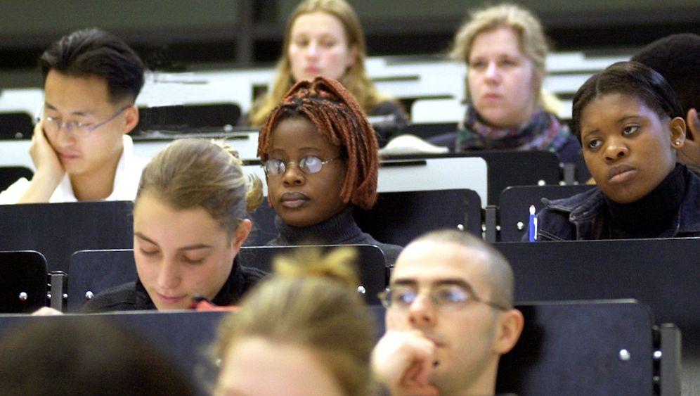 Internationale Absolventen: Denn sie wissen nicht, wie sie bleiben sollen