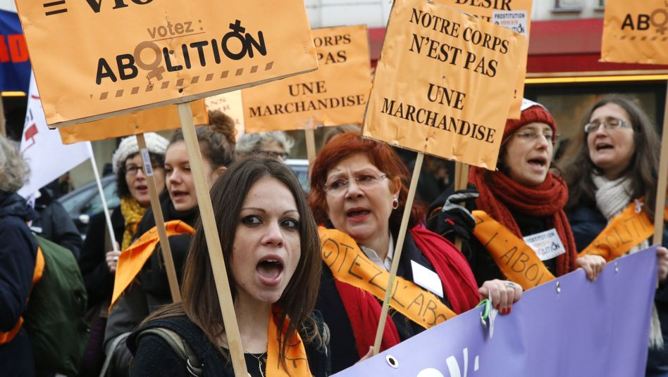 """Protest gegen Prostitution in Paris: """"Angst vor der Strafe reduziert die Nachfrage"""""""