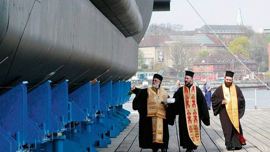 U-Boot-Weihe 2004 in Kiel: Schmiergeld-Stafette bis zum Minister?