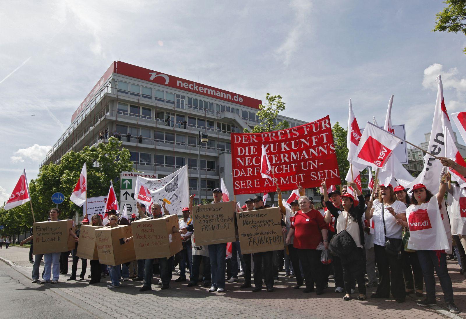 NICHT VERWENDEN Neckermann / Beschäftigte protestieren