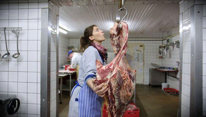 Selbstversuch als Schlachter: Manche denken, wir streicheln die Tiere tot