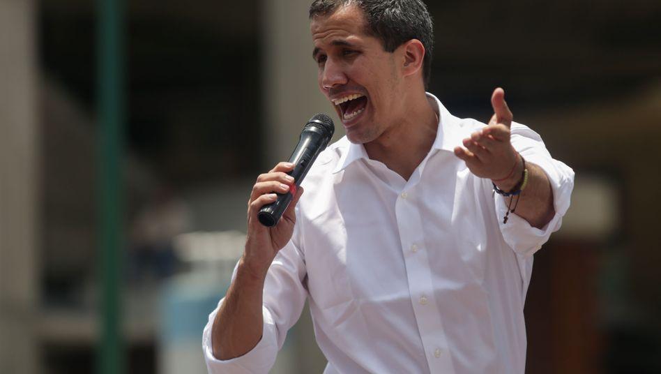 Juan Guaidó bei einem Aufmarsch am 1. Mai in Caracas