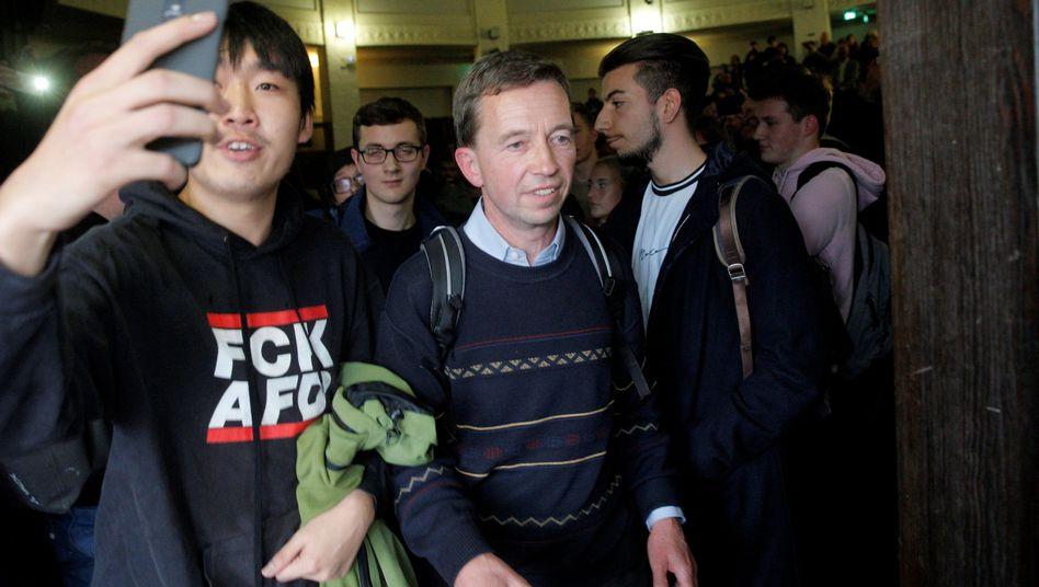 Bernd Lucke verlässt nach seiner Antrittsvorlesung im Oktober den Hörsaal