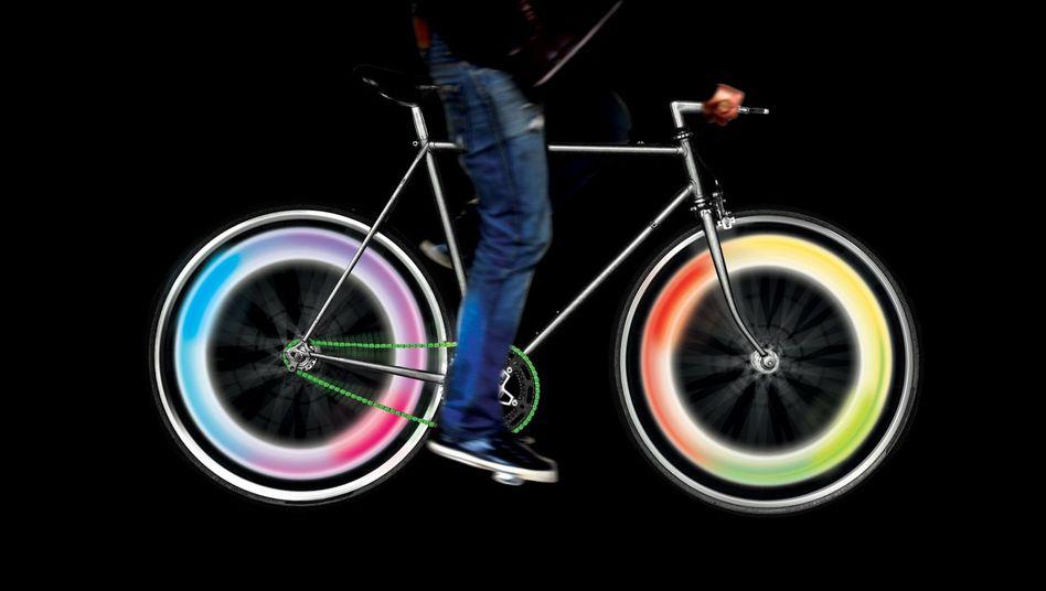 Lichtshow auf dem Radweg: Ventilleuchten von Mathmos