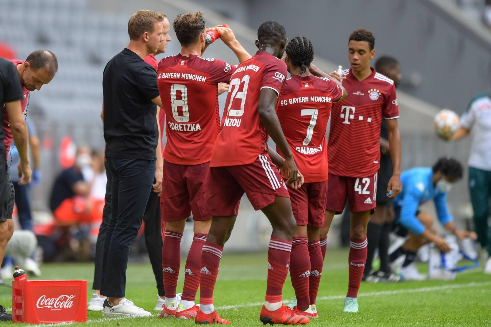 Fußball, Freundschaftsspiel, FC Bayern München - SSC Neapel. Im Bild Trainer des FC Bayern München Julian NAGELSMANN Tri