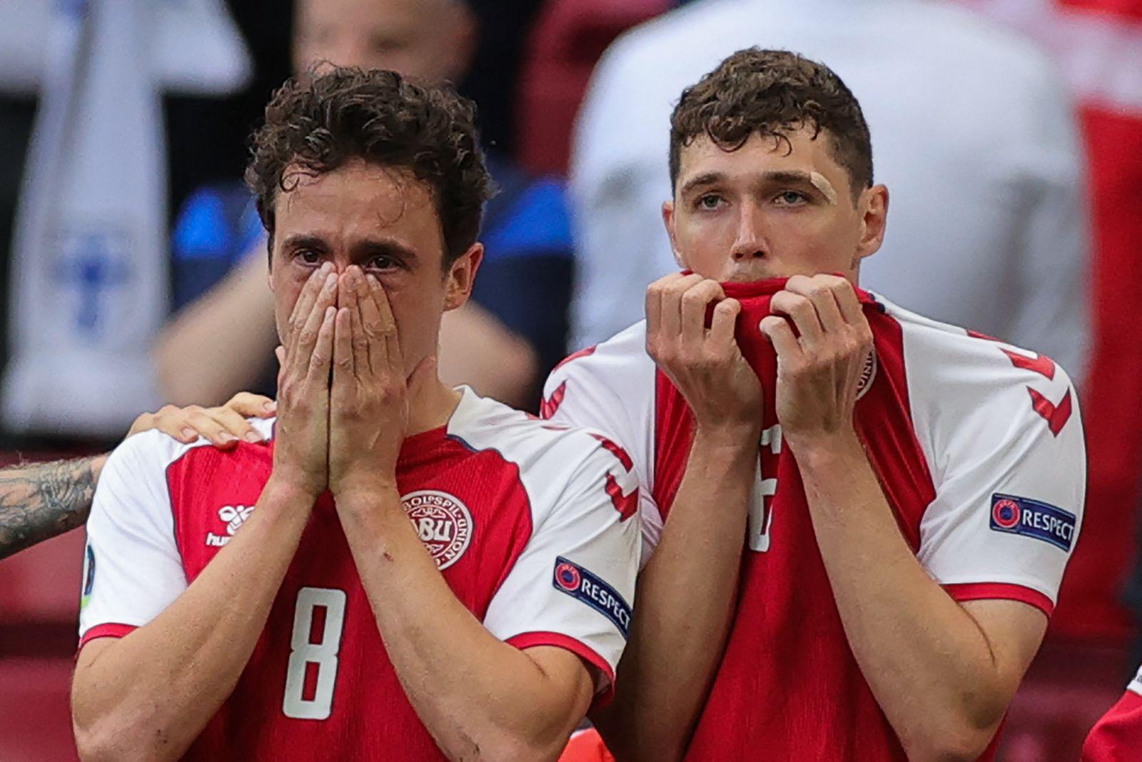 TOPSHOT-FBL-EURO-2020-2021-MATCH03-DEN-FIN