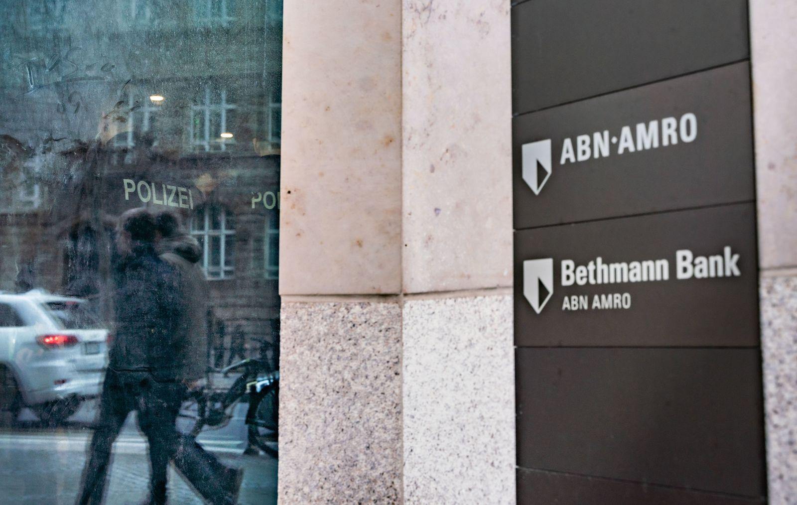 Durchsuchung bei ABN Amro - Bethmann Bank in Frankfurt/Main