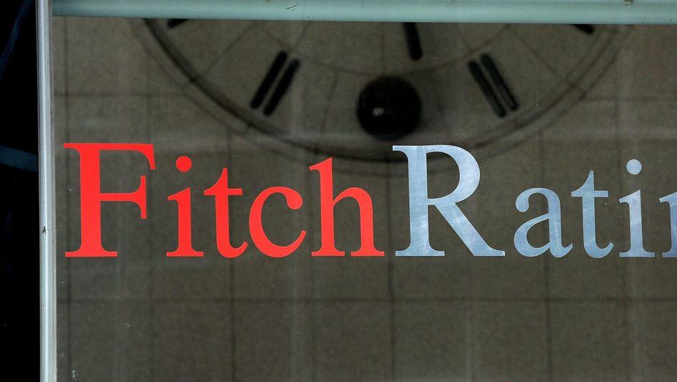 """Logo der Rating-Agentur Fitch: """"Das Timing könnte schlechter nicht sein"""""""