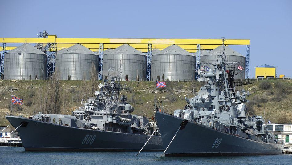 Russische Kriegsschiffe vor Sewastopol: Milliardenschätze unterm Meer