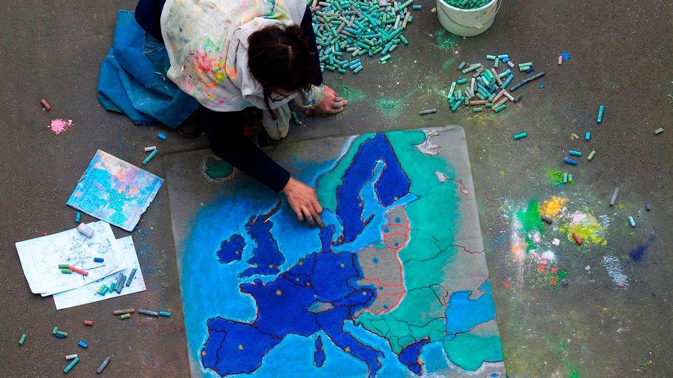 Pflastermaler mit Europa-Karte: Die gesamte Statik ändert sich