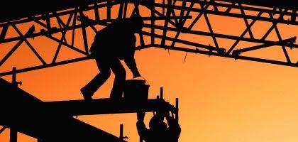Bauarbeiter in Berlin: Minus doppelt so groß wie erwartet