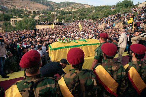 Hisbollah-Trauerfeier für einen in Syrien gefallenen Kämpfer
