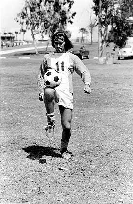 George Best im Jahre 1976, als er seine Karriere in Amerika bei den Los Angeles Aztecs ausklingen ließ