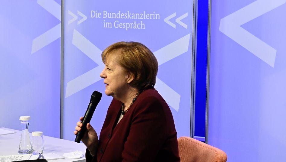 Bundeskanzlerin Merkel bei Onlinediskussionsrunde zu Verschwörungsideologien: »Das wird vielleicht auch eine Aufgabe für Psychologen sein«