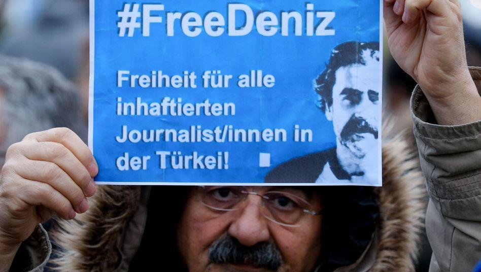 Demonstration für die Freilassung von Deniz Yücel (in Hamburg)