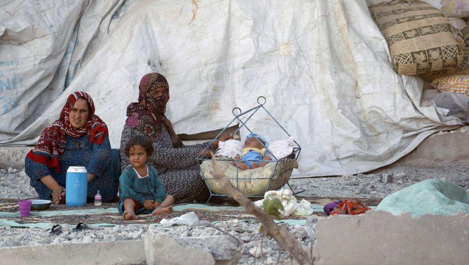 Frauen und Kinder in Rakka