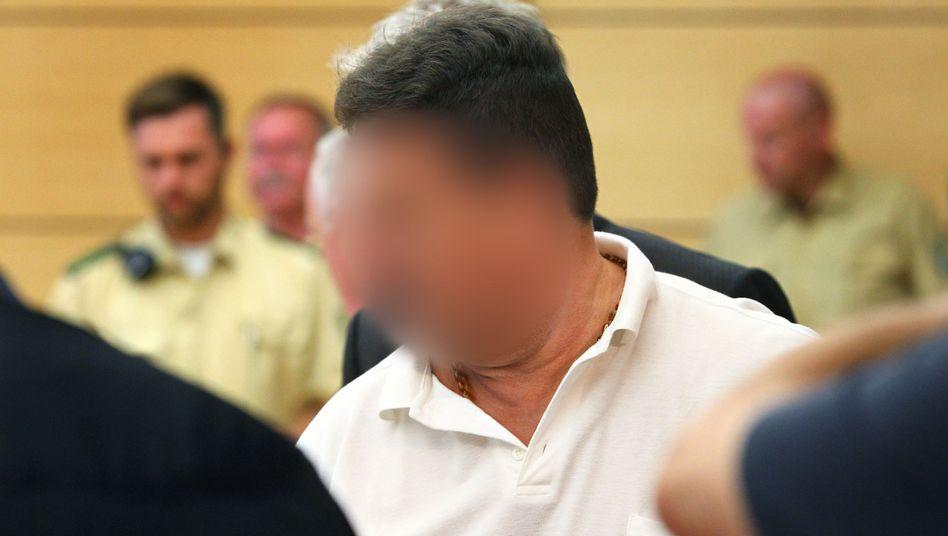 """Angeklagter Fernfahrer im Landgericht Würzburg: """"Inneren Schweinehund beruhigen"""""""