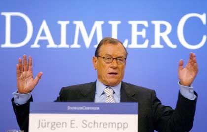 Mautfreund Schrempp bei der Bilanzpressekonferenz: 250 Millionen Risiko allein 2003