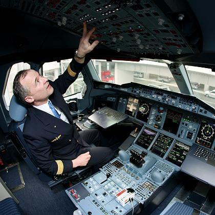 """Sie kennen das aus dem Büro: """"Wir haben ein kleines Computerproblem"""" ist keine Pilotenaussage, die Passagiere gerne hören"""