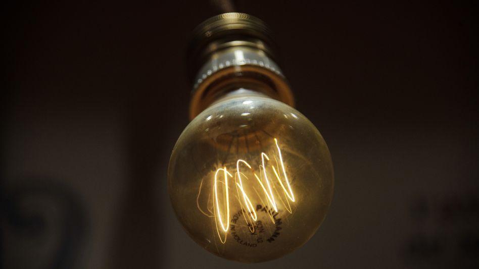 Leuchtende Glühlampe: Finden Sie die richtige Schalterzuordnung?