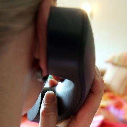"""Symbolbild eines Telefonats: """"Wittrock wollte mal horchen"""""""