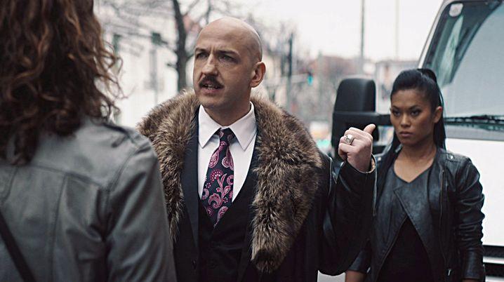 Michael Fuith als Zuhälter Andy Mittermeier: Weshalb die comichafte Überzeichnung?