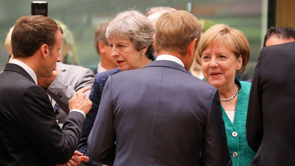 EU-Gipfelteilnehmer (v.l.) Macron, May, Tusk und Merkel