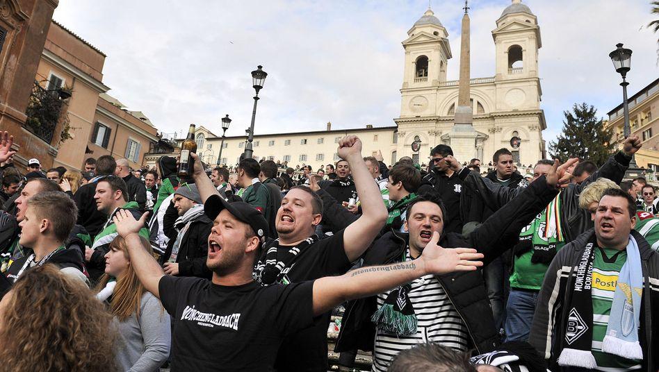 Gladbach-Fans in Rom: Am Anfang noch ein einziges Happening