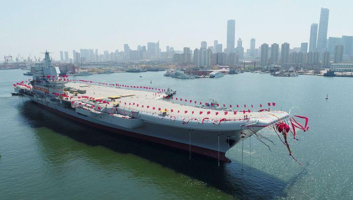 """Flugzeugträger """"Typ 001A"""": 315 Meter lang, 75 Meter breit"""