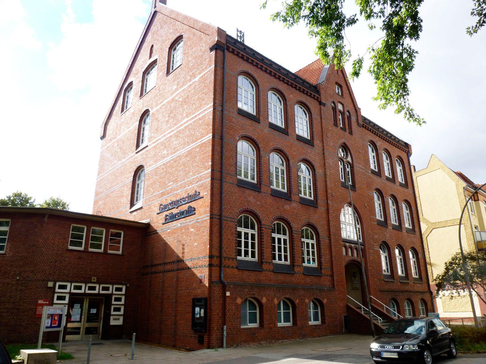 EINMALIGE VERWENDUNG Schule Fährstraße
