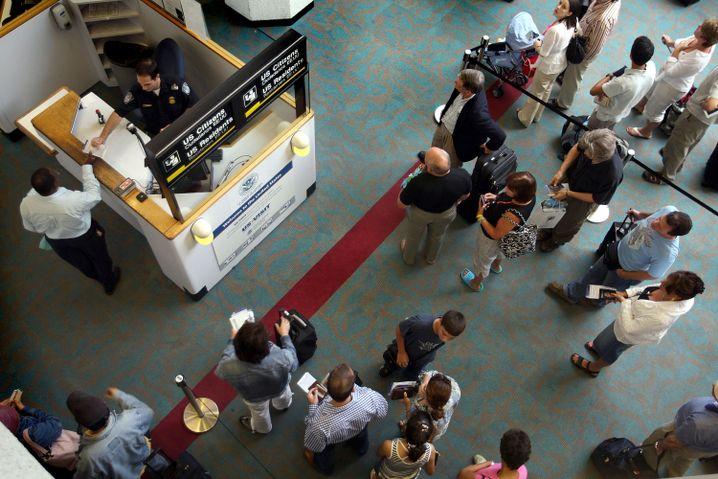 Einreise in die USA: Pass, Fingerabdruck, Foto und Befragung sind Pflicht