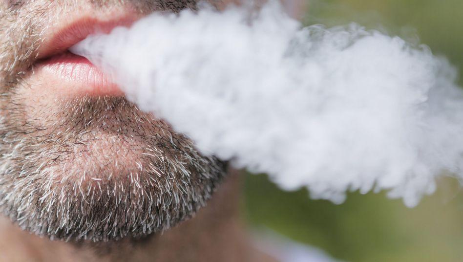 Vitamin-E-Azetat, das in Cannabisprodukten nachgewiesen wurde, erklärt jedoch nicht alle Verdachtsfälle
