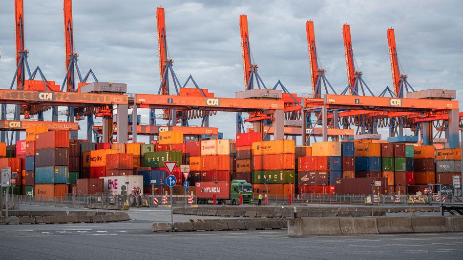 """Container im Hamburger Hafen: """"Der Welthandel kommt überraschend gut zurück"""""""
