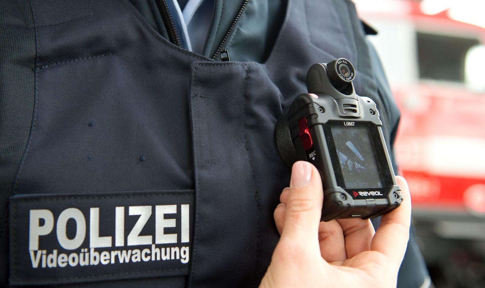 EINMALIGE VERWENDUNG Bodycam/ Bundespolizei/ Deutschland