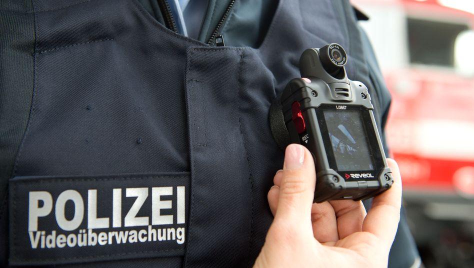 Bundespolizistin mit Bodycam (Archivfoto)
