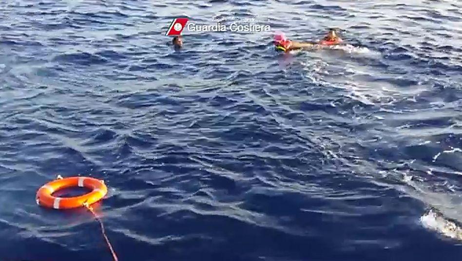 Rettungseinsatz in der Nähe der italienischen Insel Lampedusa (Archivbild): Beispielloser Gewaltexzess